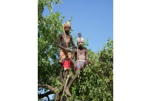 Путешествие белой обезьяны. День тринадцатый. (Эфиопия) Хаммеры, предсвадебная церемония.
