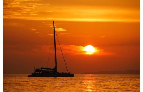 Остров из снов и настоящий магнит в сердце Балеарского моря,  один из самых крупных портов Средиземноморья, считающийся к тому же и одним из древнейших - великолепная Пальма де Майорка<p>1 795 €</p>